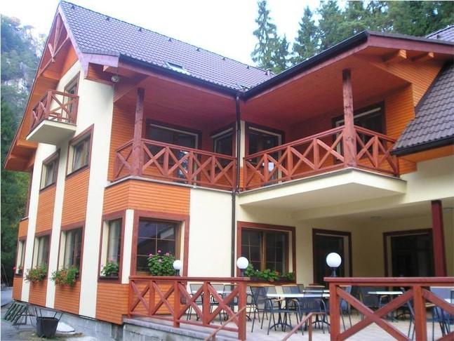 drevene_balkony
